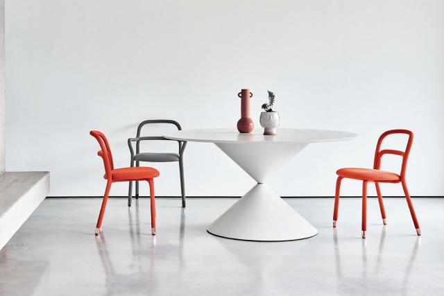 Il tavolo Clessidra finalista dell'Edward Haimsohn Design Award