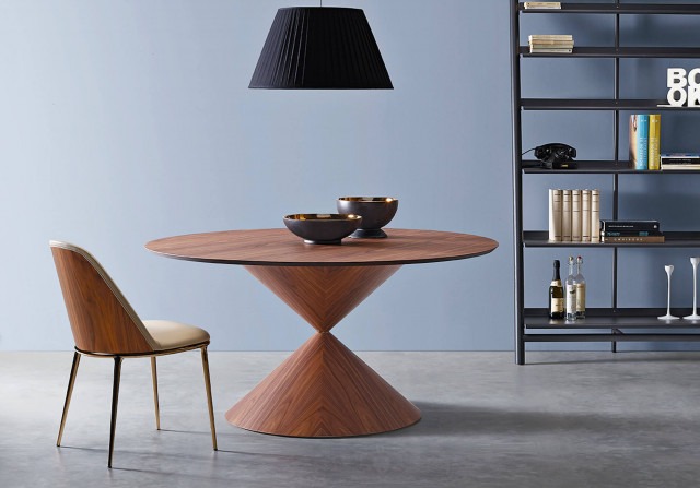 The Clessidra table is the 3° classified of the Edward Heinsohn Design Award 2019