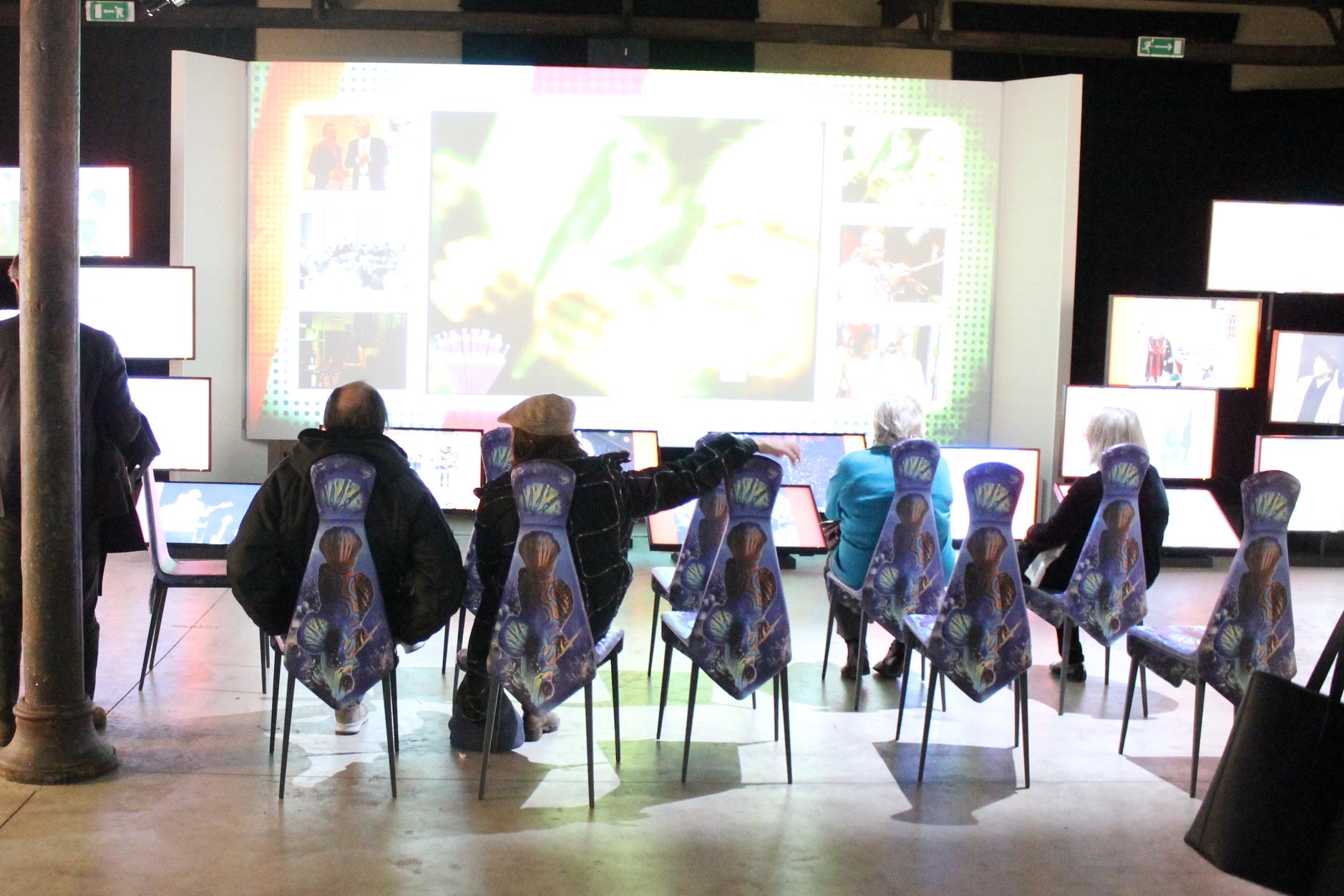 Le sedie Cravatta di Midj per Renzo Arbore