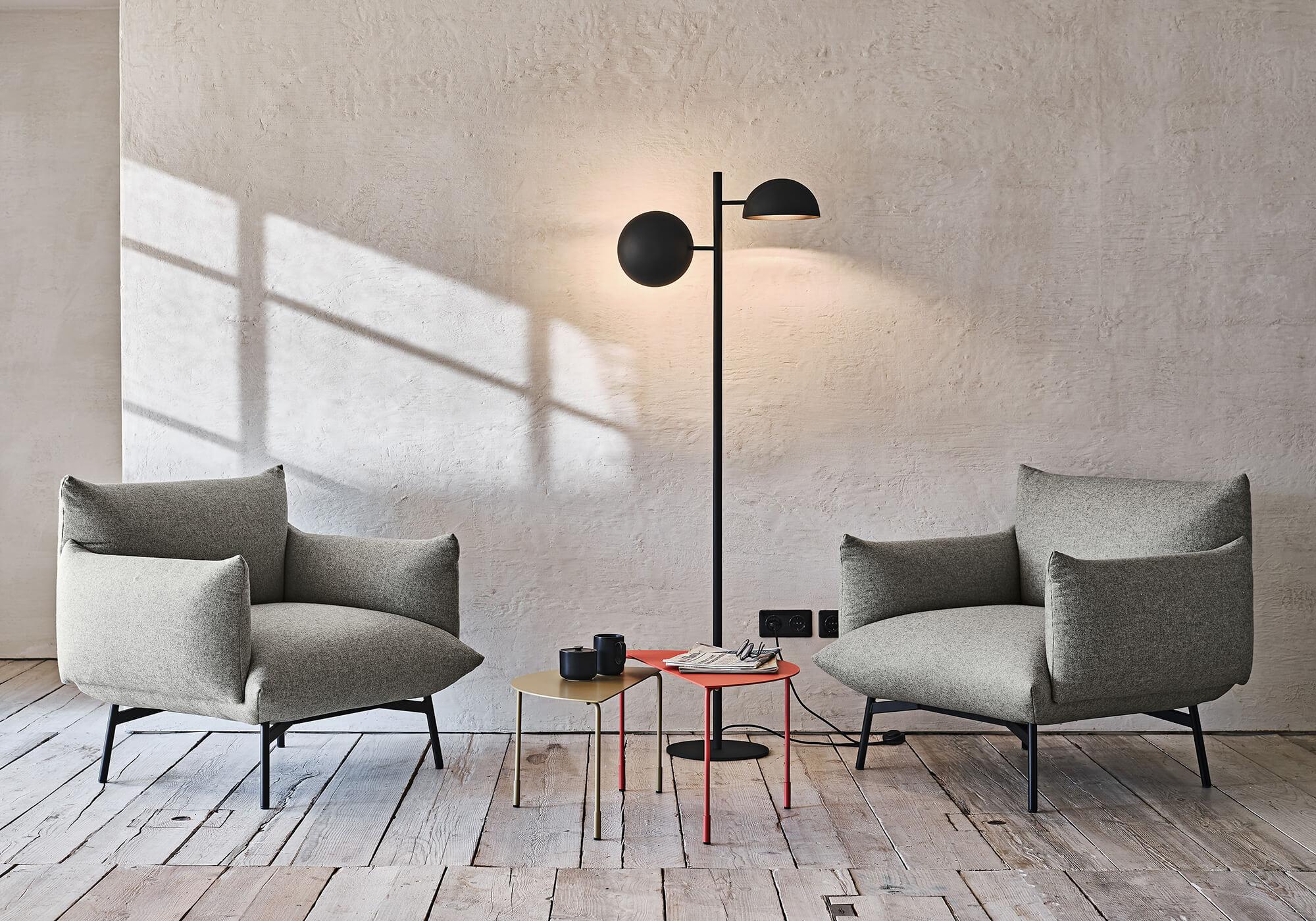 Area armchair
