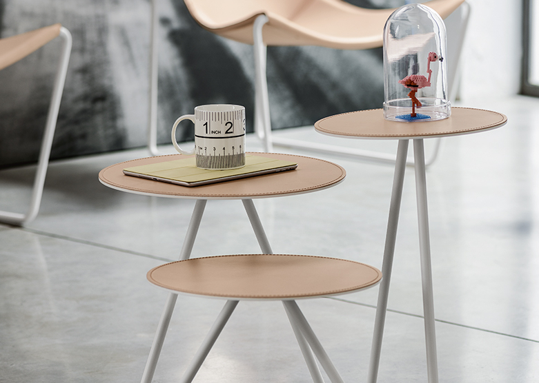 Apelle Trio side table with steel frame and hide top