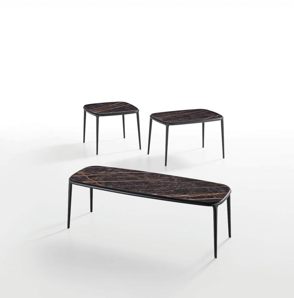 Collezione di tavolini Lea in diverse altezze e piano in ceramica effetto marmo