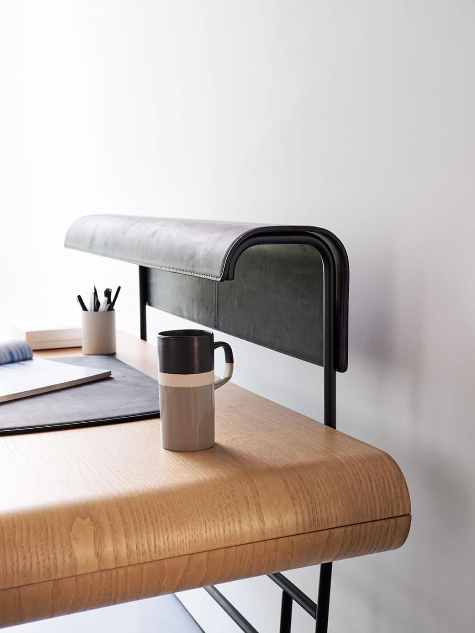 Detail of Apelle desk