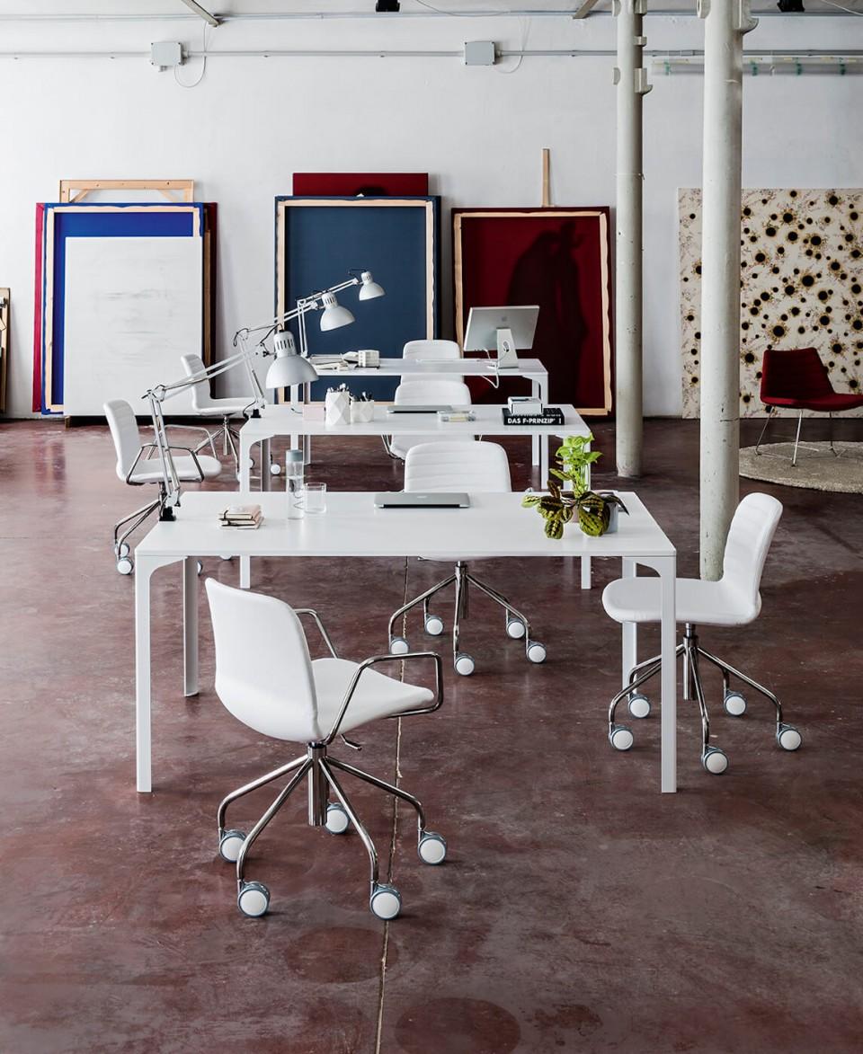 Armando Midj design desk