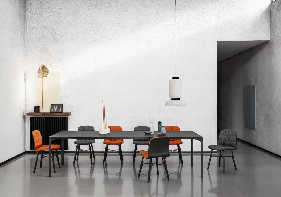 Armando Midj dining table with four-legs frame