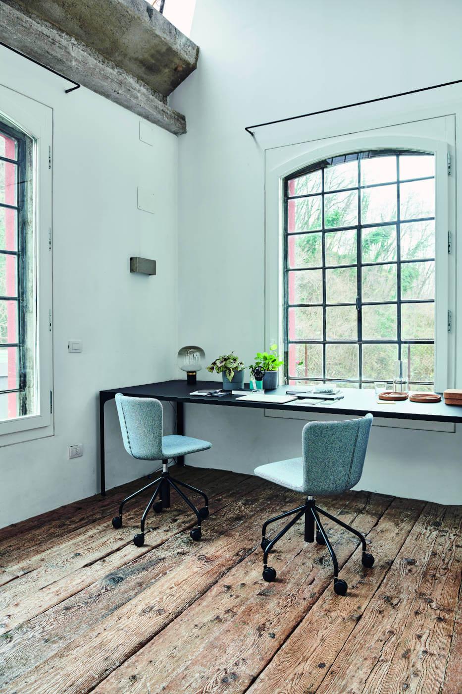 Calla task chair