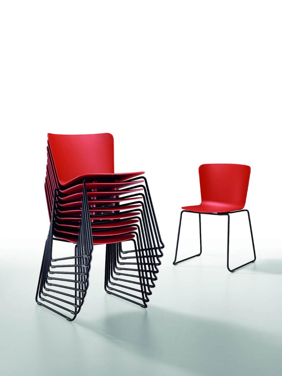 Calla chaise empilable