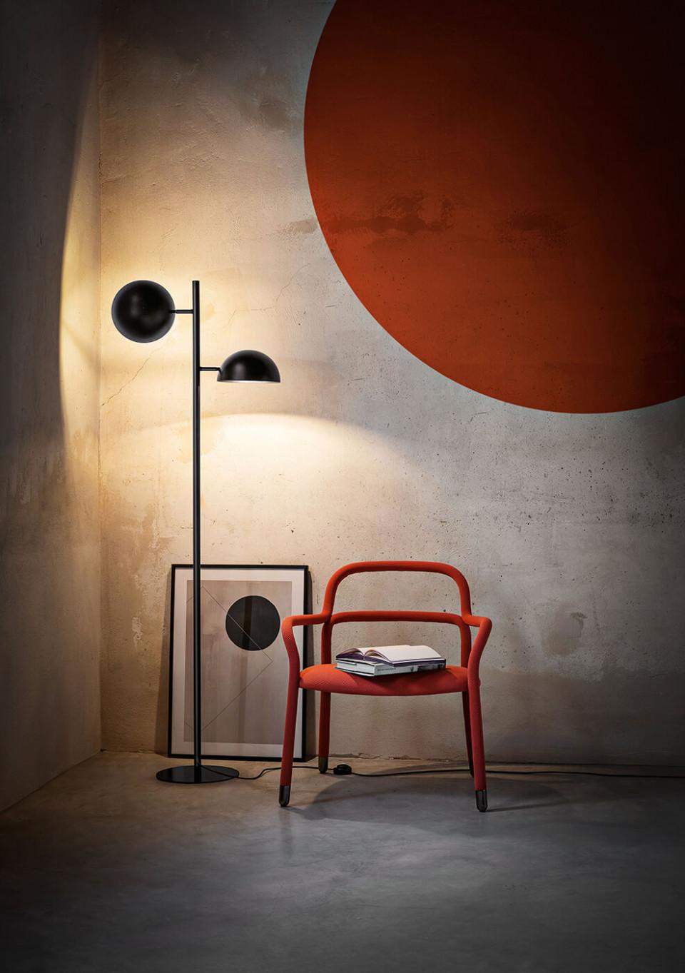 Charlotte lamp floor in black steel