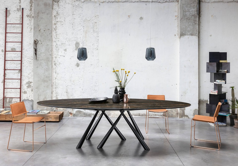 Forest oval table with legs in black metal and crystalceramic top with marble noir desir effect