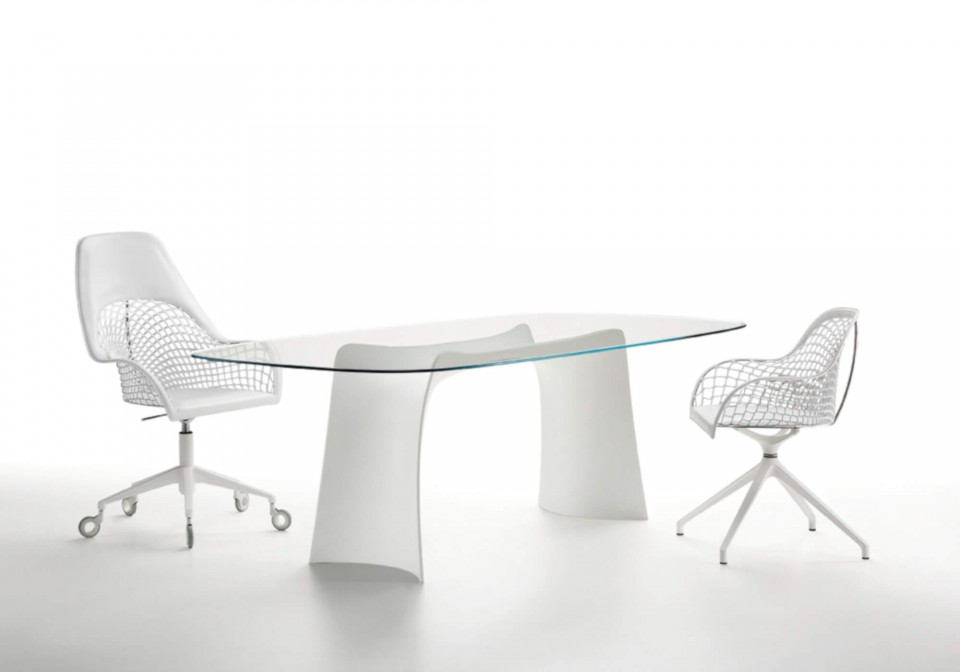 Guapa swivel office chair with white hide seat and white metal base