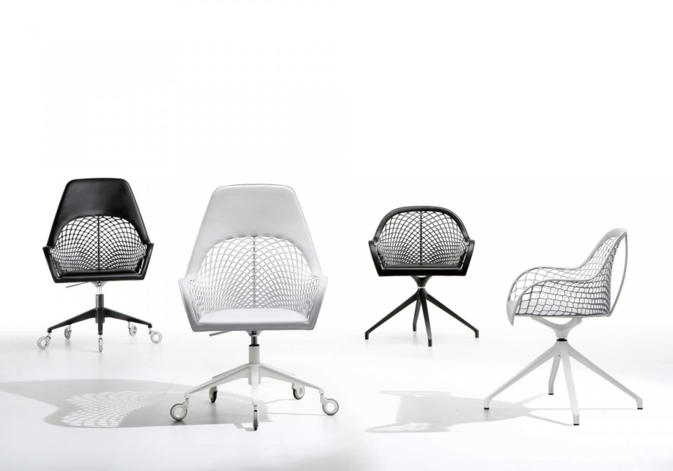 Guapa swivel chair with high back with black and white hide seat and black and white metal base