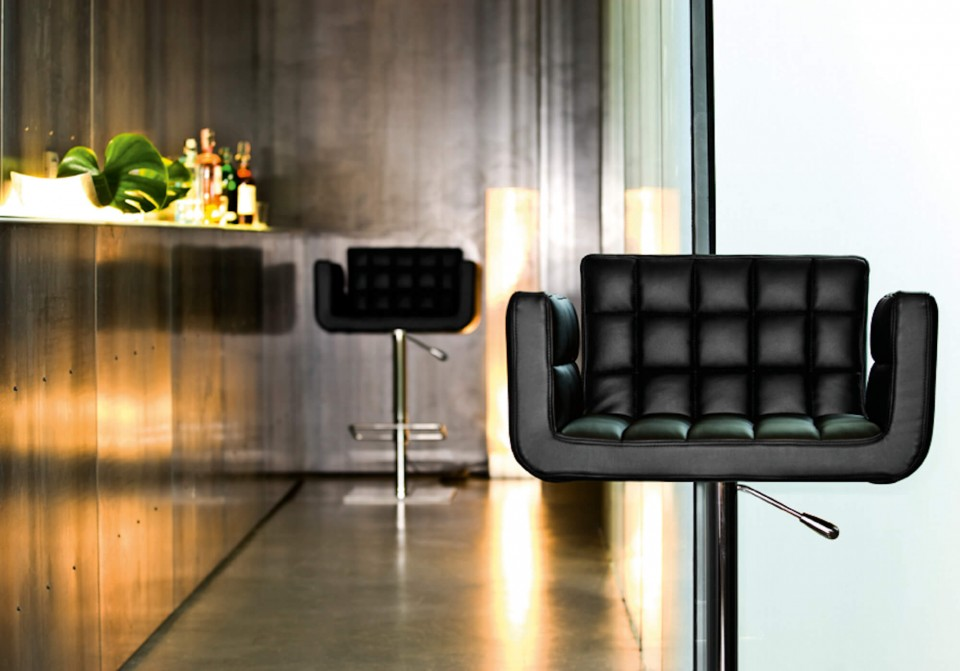 Sgabello alto Marsiglia con base girevole in metallo e seduta in pelle nera