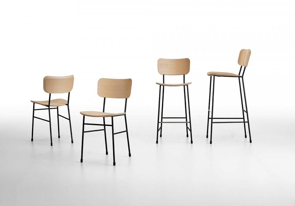 Tabouret haut Master avec assise en bois et structure en métal