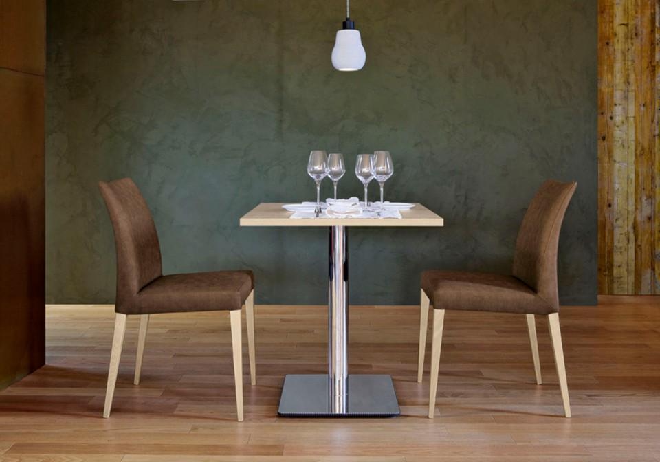 Sedia da pranzo Matrix con struttura in legno e seduta in tessuto marrone