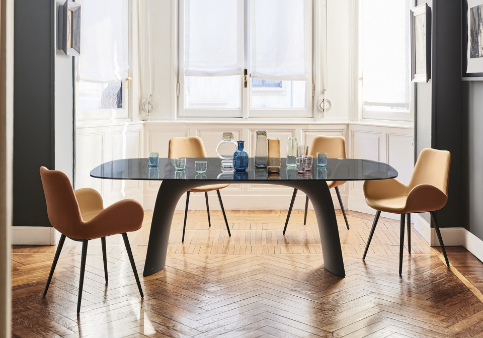 Moonlight dining table with graphite baydur base and smoked transparent glass top