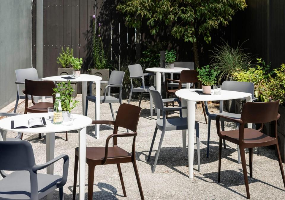 Nenè outdoor chair entirely made of polypropylene