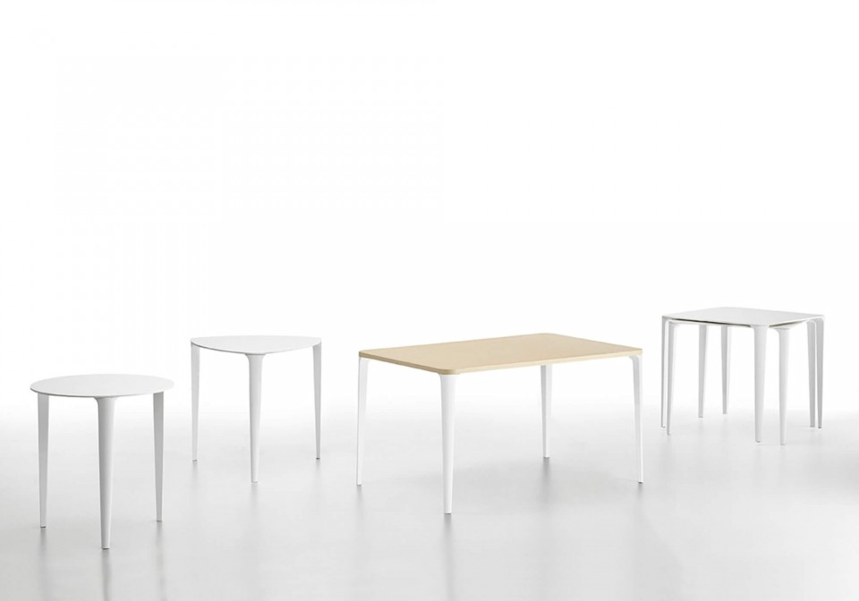 Nenè table collection in the round, triangular, rectangular and square version