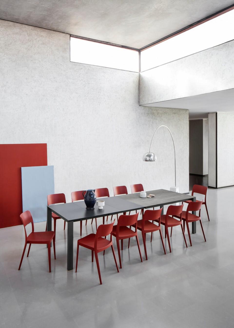 Nenè office chair in red polypropylene