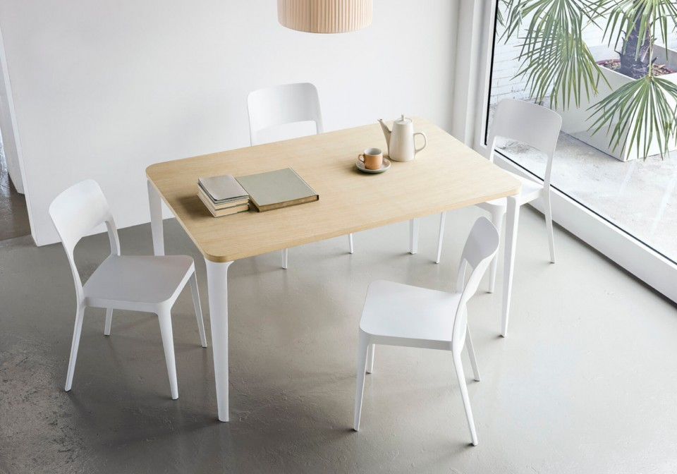 Nenè stackable chair with four legs in polypropylene