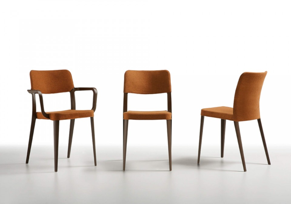 Nenè chair in brown polypropylene with brown fabric covering