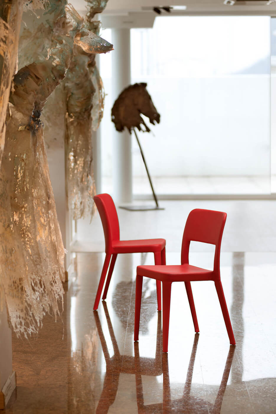 Nenè chair entirely made of red polypropylene