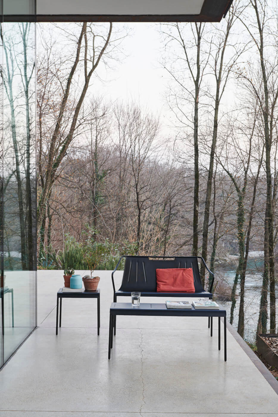Ola outdoor bench in painted steel