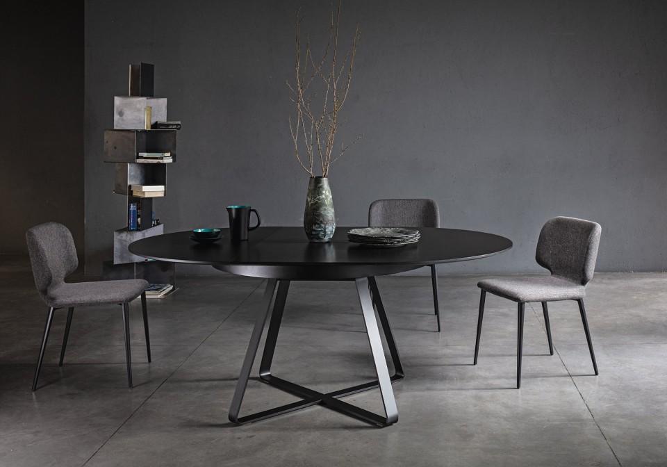 Paul round table with black metal base and black veneered wood top