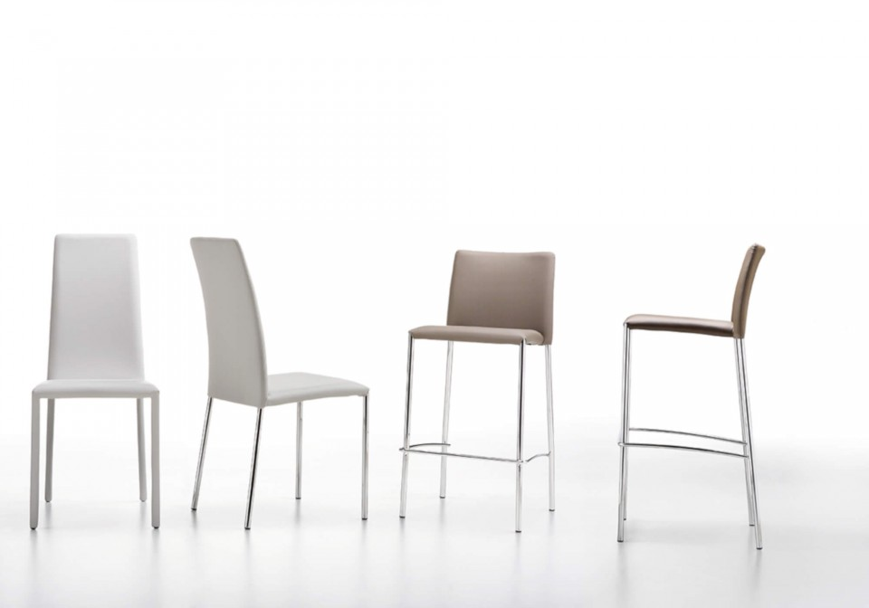 Silvy stool with seat in beige fabric and metal base