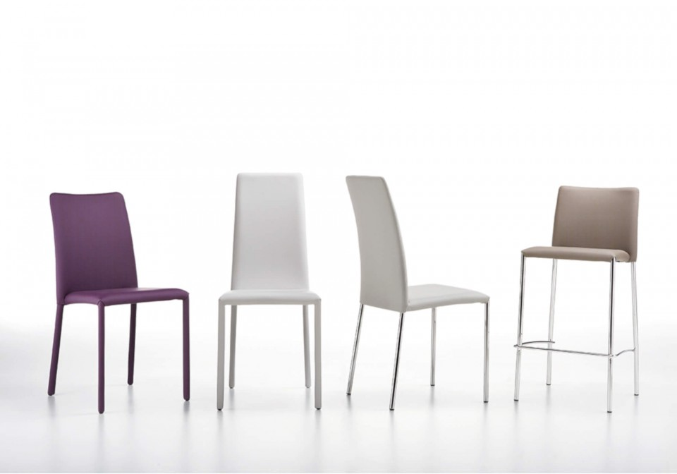 Low-backed Silvy chair entirely upholstered in purple leather