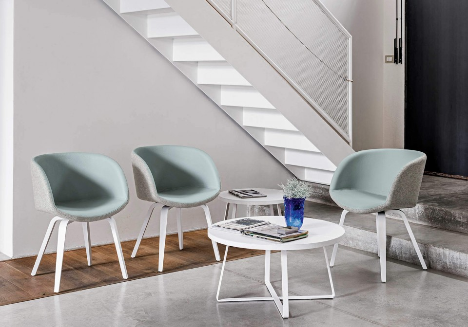 Sonny armchair with blue leather seat. The base is in painted wood