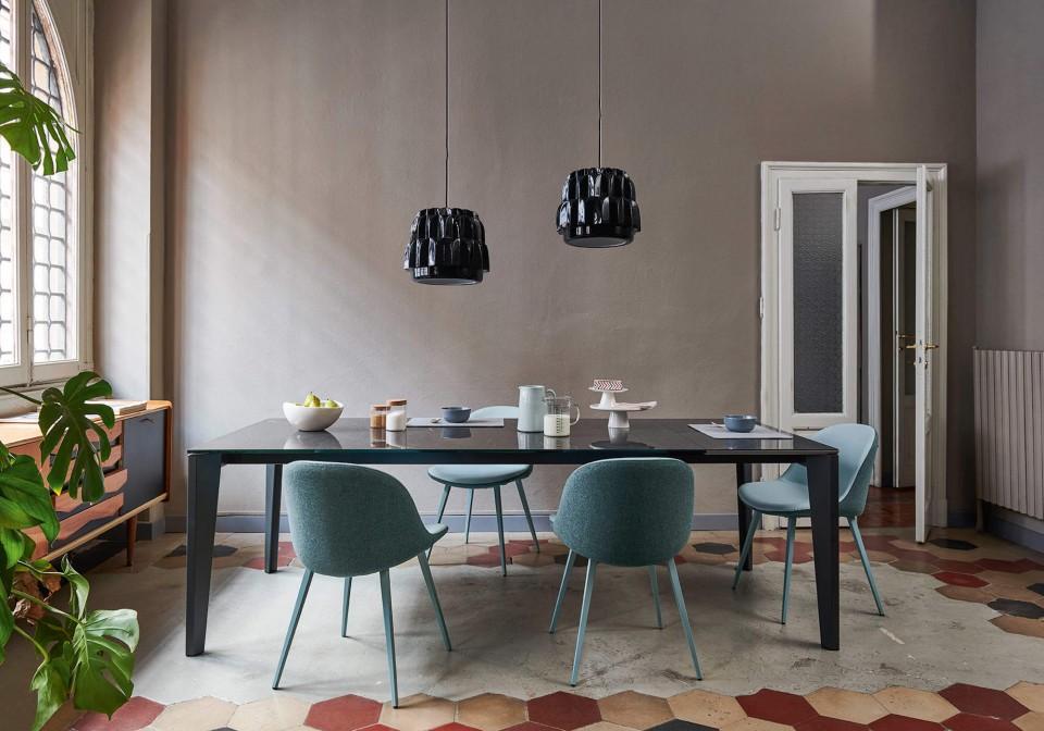 Sonny chaise de table à manger avec siège en tissu bleu et base en métal bleu
