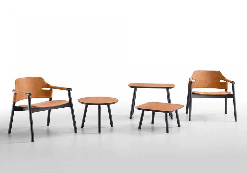 Collection complète de tables basses Suites avec pieds en bois noir et plateau en cuir toscan