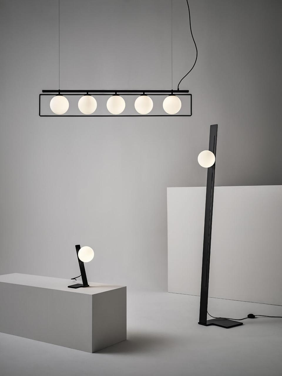 Lampe à suspension suspense en verre satiné et métal noir