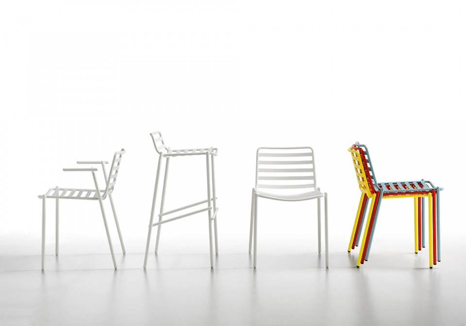 Trampoliere armchair made of white painted metal