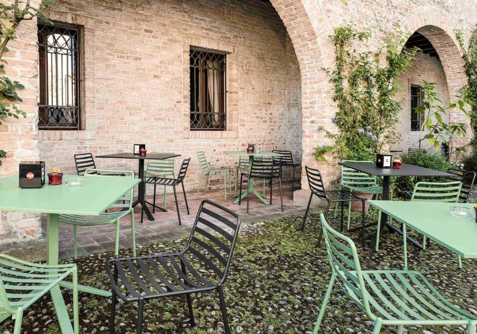 Sedia Trampoliere adatta anche per esterno, realizzata in metallo verniciato verde e nero