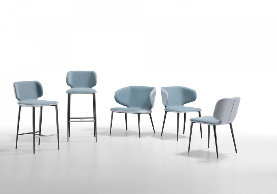 Collezione Wrap: sgabelli, sedia da attesa, poltroncina e sedia