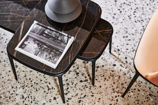 Lea coffee table's top with marbre effect
