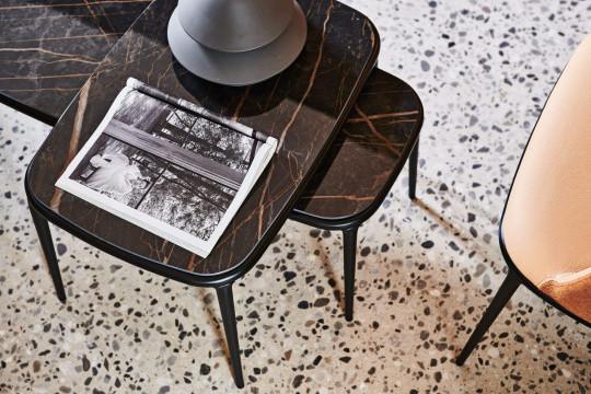 Coffee table Lea in due diverse altezze e piano in ceramca effetto marmo noir design