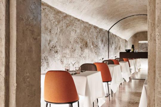 Lea restaurant chair in fabric