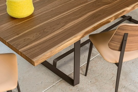 Midj Alfred wooden design table