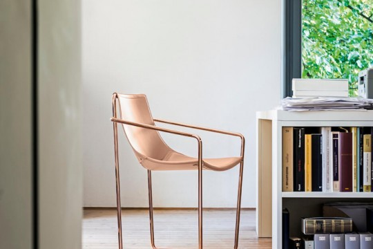 Apelle armchair with facepowder pink hide seat and pink gold legs