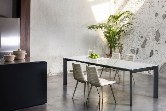 Apollo Midj extendable table made in Italy