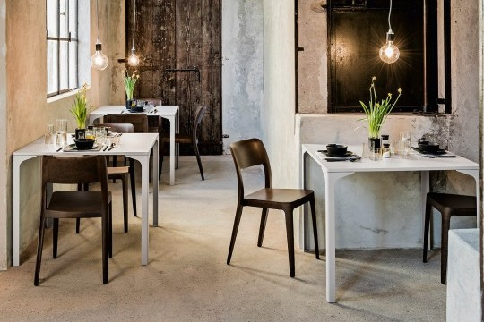 Armando Midj table pour restaurant