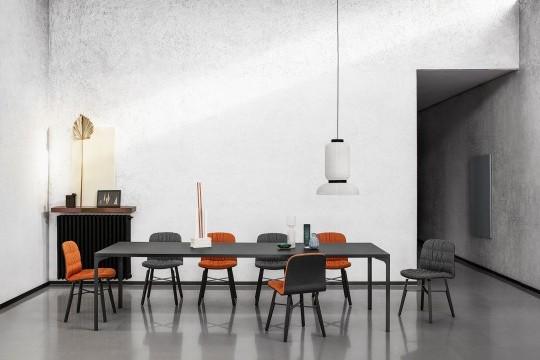 Armando Midj table pour salle à manger