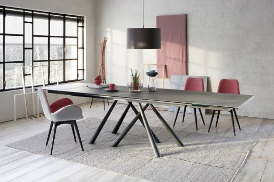 Forest extendable table with graphite metal base and top in crystalceramic Savoia cement finish