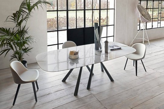 Forest barrel table with black metal base and crystalceramic top with calacatta marble effect