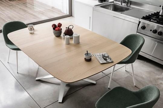 Il tavolo Link nella massima estensione può ospitare fino a 8 posti a sedere