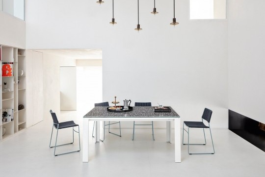 Marcopolo extendable table with four-leg base in white metal, top and extensions in crystalceramic with Venetian marble effect