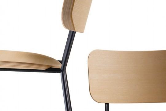 Tabouret haut particulier avec assise en bois