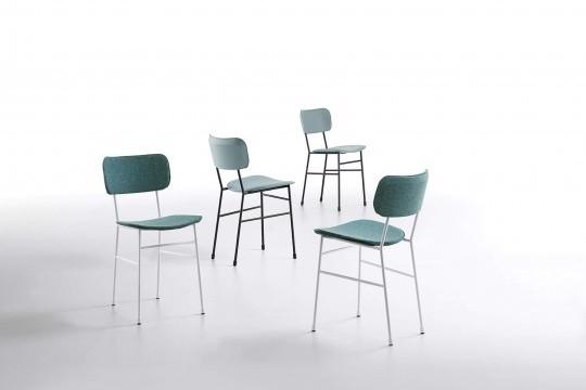 Sedia Master con seduta in cuoio azzurro e struttura in metallo